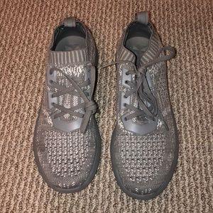 Aldo grey tennis shoe